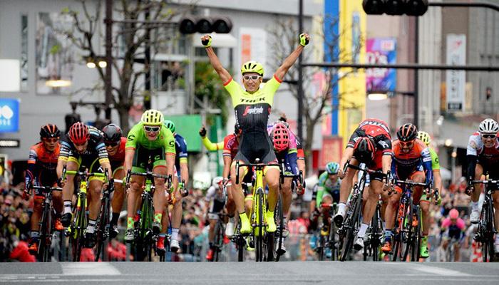 最終スプリントで優勝 10/22 ジャパンカップクリテリウム 別府選手2連覇!