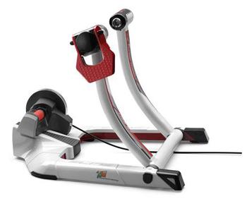 ローラー台 スマートトレーナー 人気上昇中のZwift【ズイフト】って何?室内で楽しく自転車に乗る!