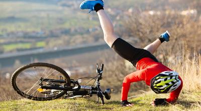 スポーツバイクで転倒した時にまず手のひらから地面に付く サイクルグローブの必要性