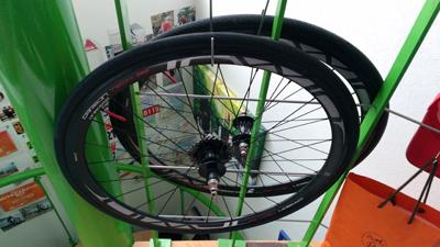 ゴキソハブで手組されたロードバイクのホイール