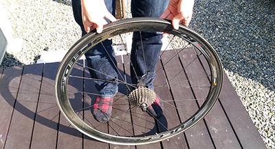 チューブラータイヤをホイールに上手くはめることが出来ました。 画像でわかる!チューブラータイヤの交換方法