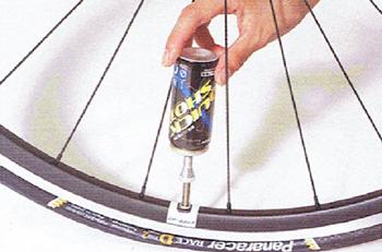 パンクを一瞬で修理できるクイックショット。