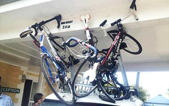 ロードバイクを天井に積む場合は高さ制限に注意!