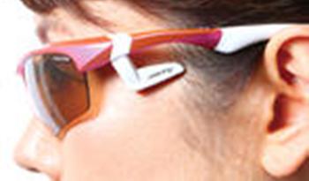 スポーツサングラス【AirFly(エアフライ)】 サイドパッドは微調整が可能