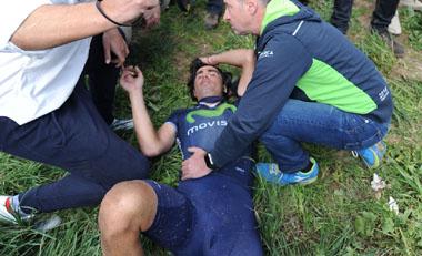 2016年4月のパリ〜ルーベでフランシスコ・ベントソ(スペイン、モビスター)が落車し、前走者のディスクブレーキのローターと接触しかなり深い傷を負った
