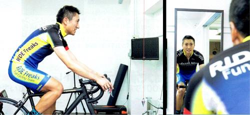 ローラー台でのトレーニングでは糸を垂らしたり、鏡を使うと効果的