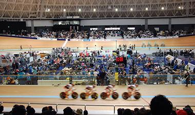 自転車トラック競技のチームパーシュート(団体追抜競走)