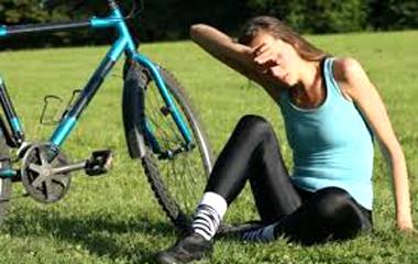 暑い日のサイクリングで熱中症になった時の対処法