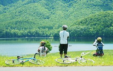 ロードバイク初心者の新しい学生と社会人